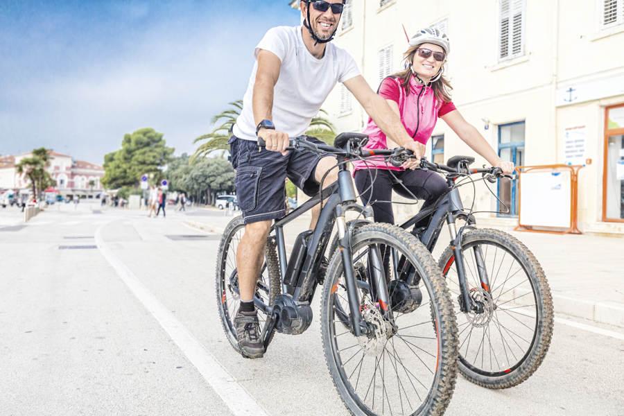 El-sykkel spinner av gårde