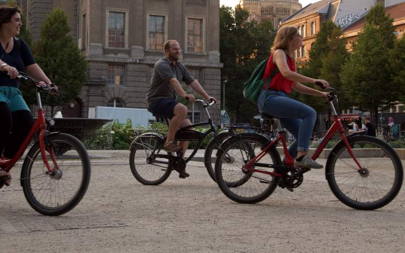 De beste byene å besøke på en el-sykkel for et avbrekk i jula